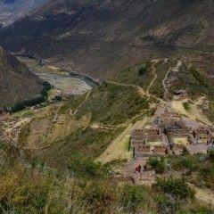 Camino a Aguas Calientes pasando por Pisac.