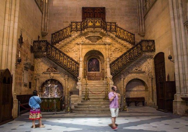 escalera dorada catedral de burgos