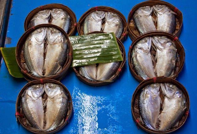 pescado en mae klong market