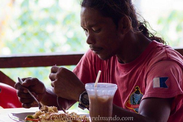 comiendo en perhentian kecil malasia