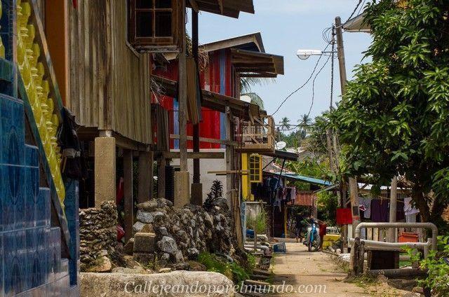 pueblo de pescadores perhentian kecil malasia