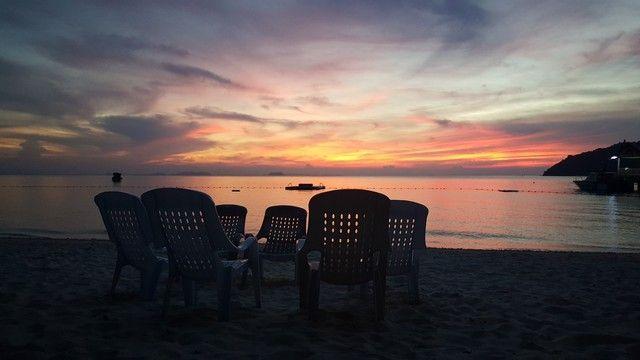 puesta de sol perhentian besar malasia