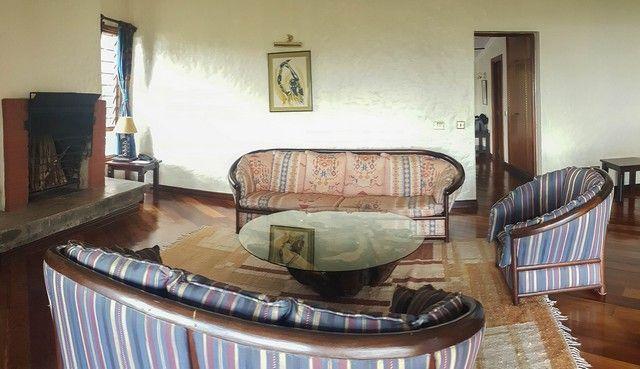 sala de estar suite sarova lion hill lago nakuru kenia