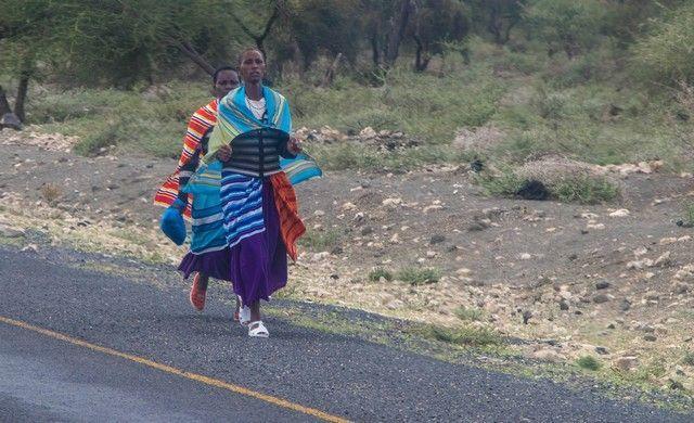 escenas cotidianas de tanzania camino a tarangire