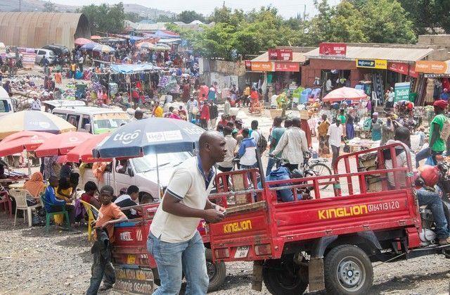 escenas cotidianas de tanzania camino a tarangire (7)