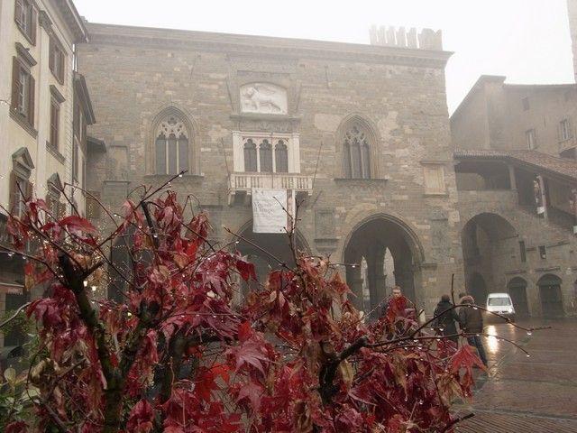 Palazzo-della-Ragine-bergamo-italia
