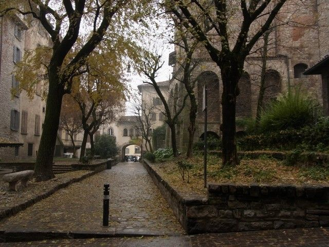 calles de bergamo italia navidad