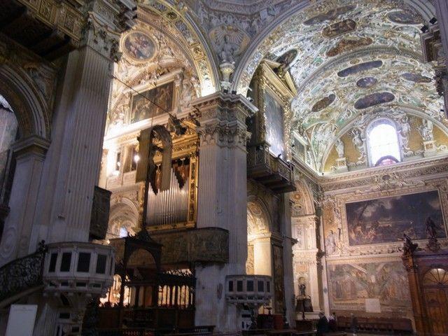 interior-de-la-basilica-bergamo