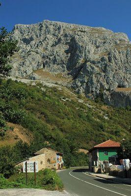 Ruta: Hayedo de Montegrande y Cascada Xiblú.