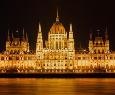 budapest parlamento nocturno portada