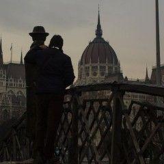 Paseando por Pest, Visita al Parlamento y la Traviata.