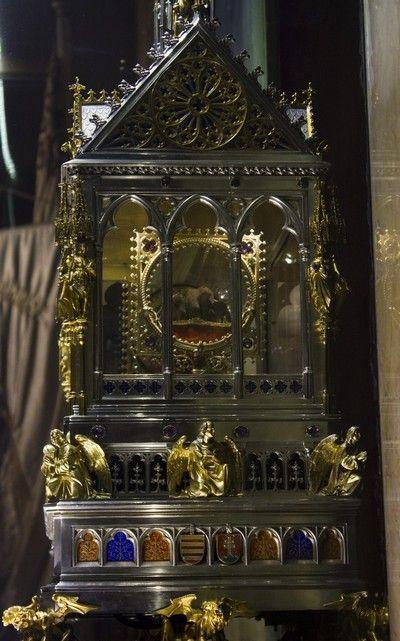 santa diestra basilica san esteban budapest