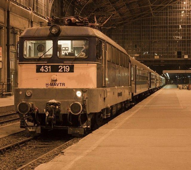 tren estacion budapest