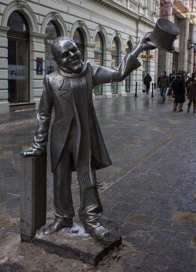 escultura en las calles de bratislava