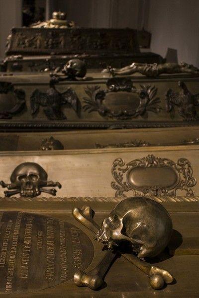 la Cripta de los Capuchinos interior detalles 2