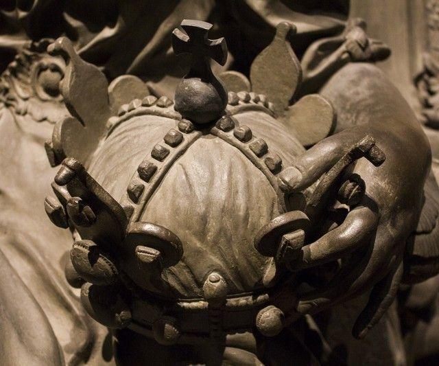 la Cripta de los Capuchinos interior detalles 4