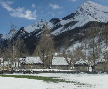 valle del lago somiedo nevando asturias portada