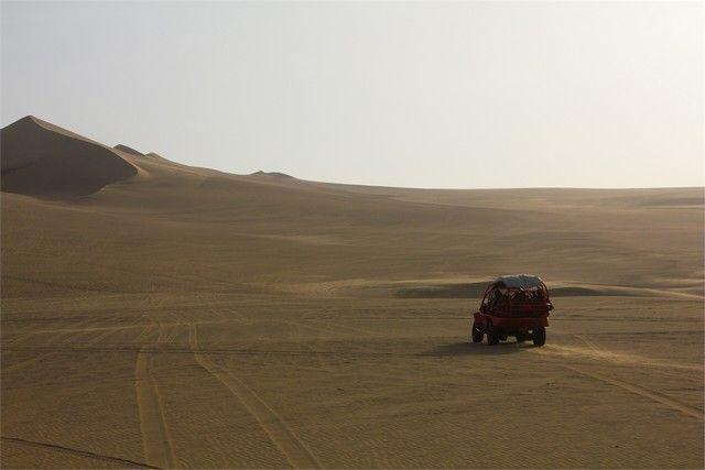 buggies por el desierto de huacachina peru