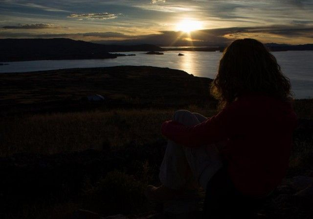 atardecer amantani lago titicaca peru