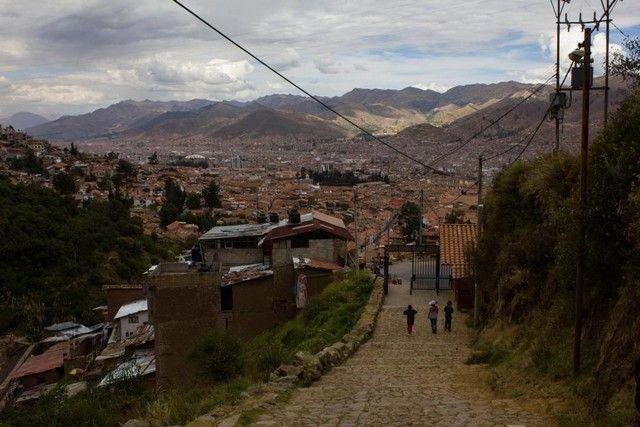 bajando hacia cuzco desde Sacsaywamán peru