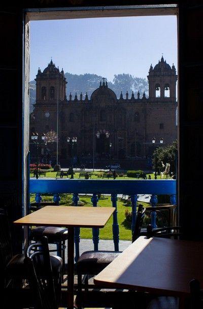 desayuno con vistas a la catedral cuzco peru