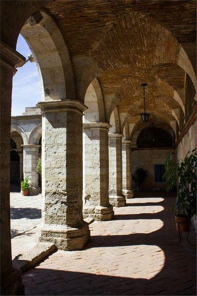 detalles del monasterio de santa catalina arequipa