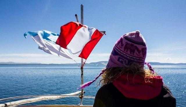 navegando por el lago titicaca