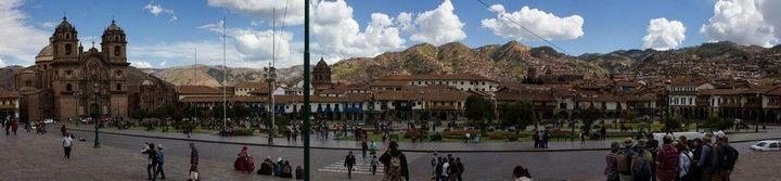 panoramica de la plaza de armas de cuzco peru