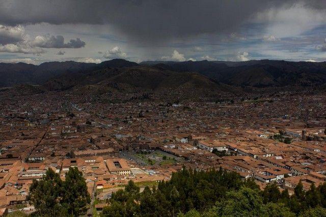 vistas desde saycsahuaman cuzco peru