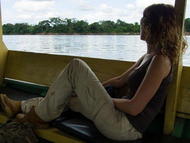 navegando por el rio madre de dios peru