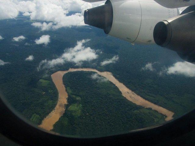 sobrevolando la selva amazonica peruana
