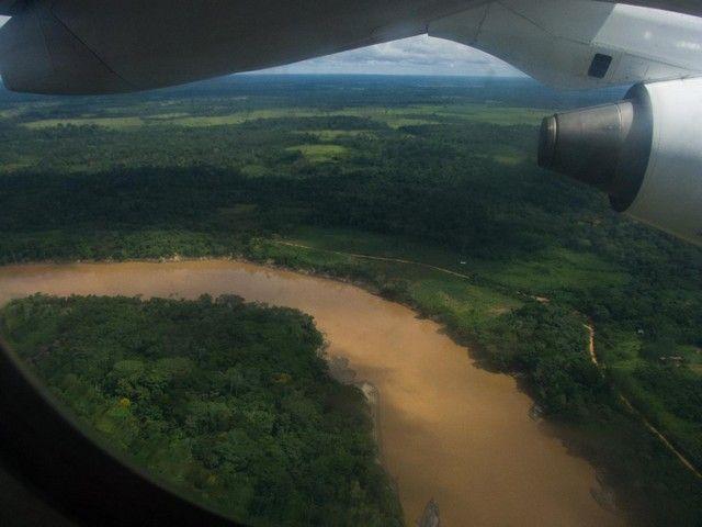 sobrevolando rio madre de dios amazonas peru