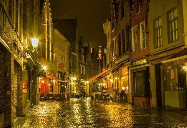 calles de brujas nocturno belgica