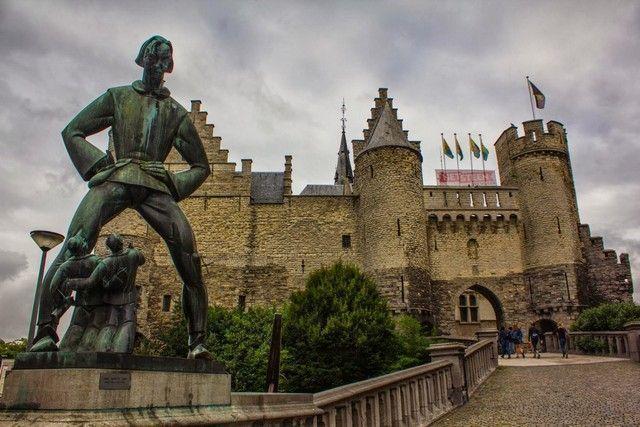 castillo de amberes belgica