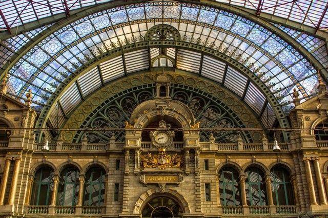 detalles de la estacion central de amberes belgica