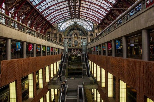 estacion central de amberes belgica