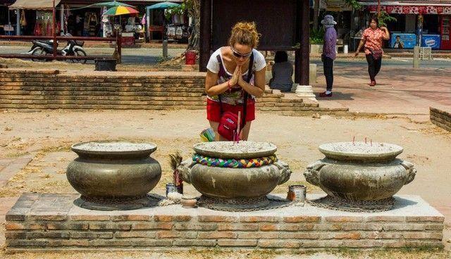 Wat Lokayasutharam ayutthaya maría