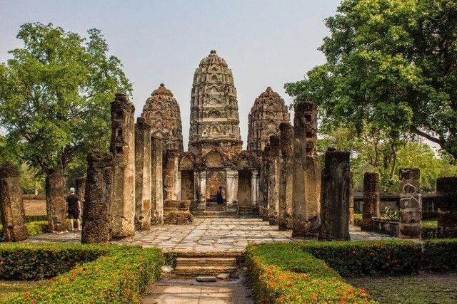 Wat Si Sawai sukhotai