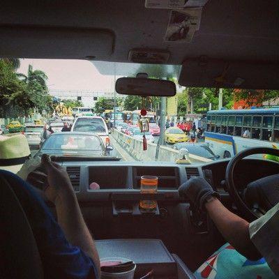 atasco saliendo de bangkok
