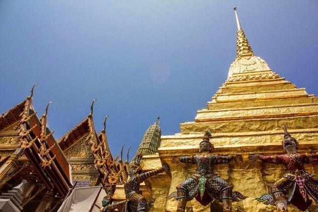 bangkok palacio real deidades y detalle de cupula
