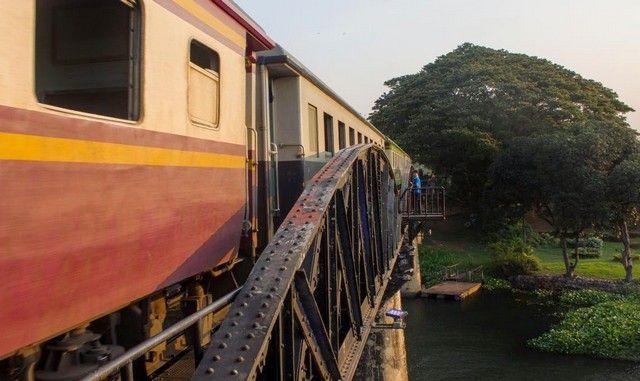 imagen tren puente sobre el rio kwai