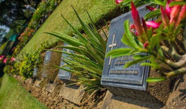 lápidas cementerio kanchanaburi