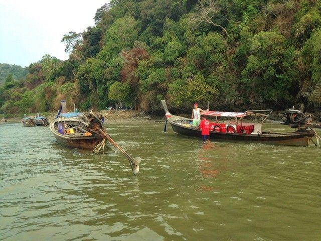 barcas playa ao nang