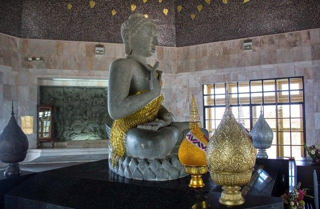 interior pagoda doi inthanon
