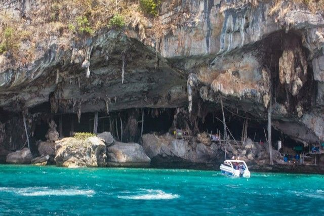 viking cave phi phi island tailandia