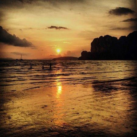puesta de sol railay