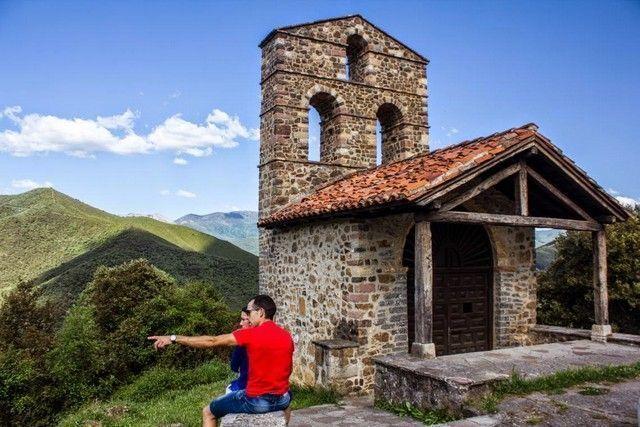 ermita de san miguel potes cantabria
