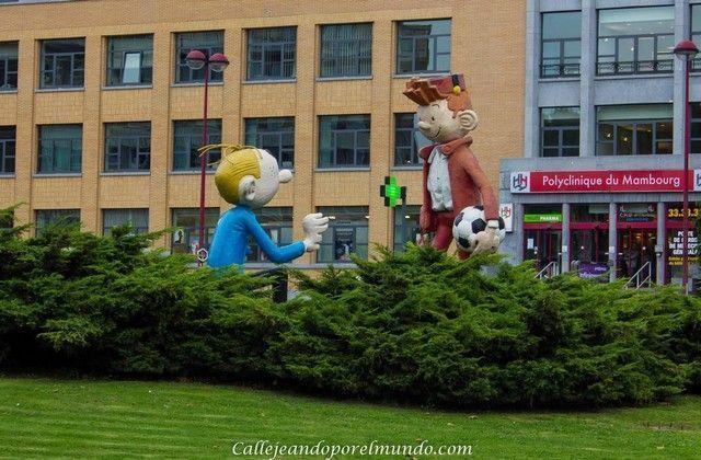 Charleroi estatua comic