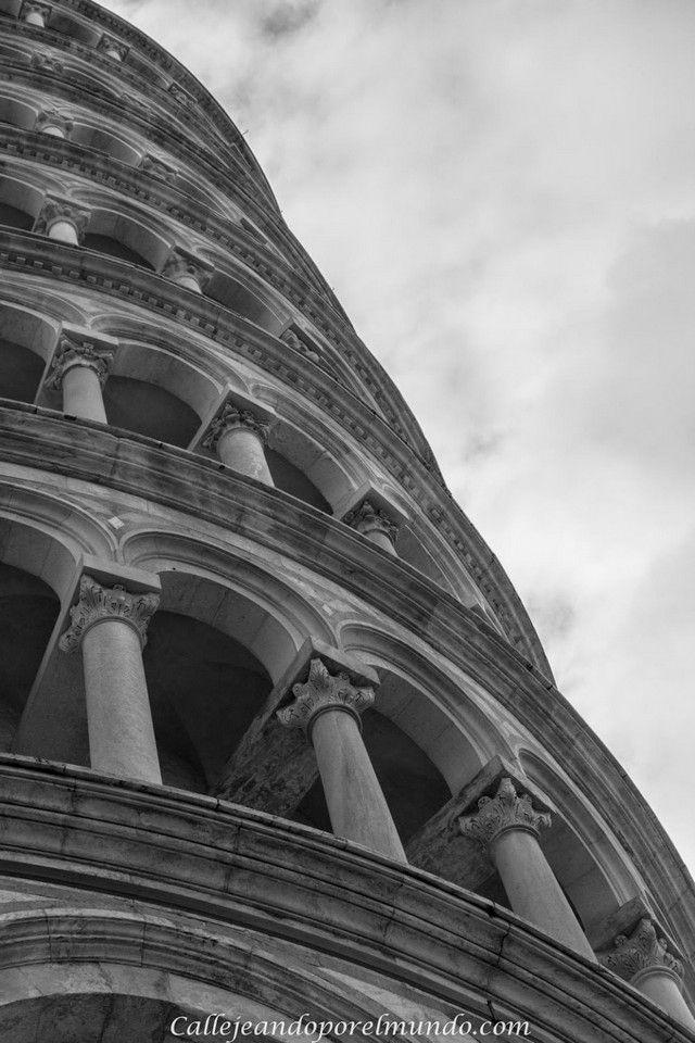 torre de Pisa detalle
