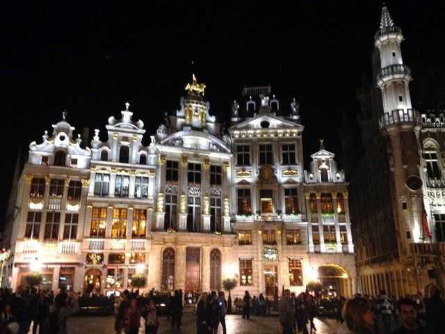 Grand Place Bruselas detalle edificio